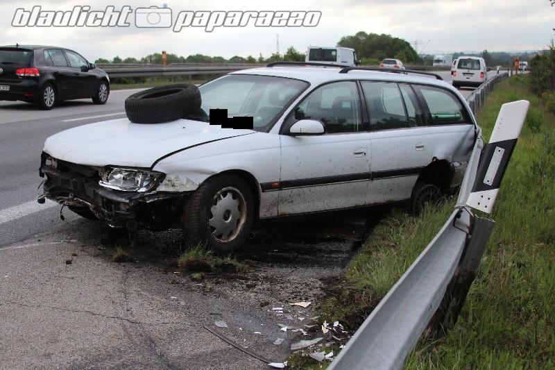 Bautzen: Leitplanke rettet Opel-Fahrer möglicherweise das Leben