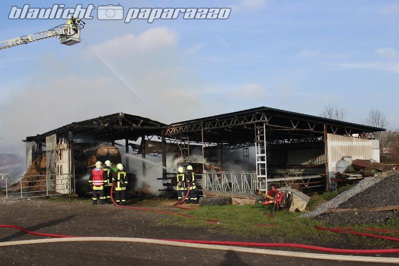 Arnsdorf: Scheune geht in Flammen auf