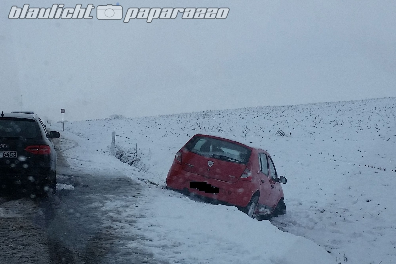 Schnee verursacht Unfall in Pulsnitz