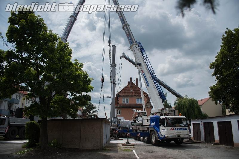Bautzen: Der umgekippte Kran steht wieder