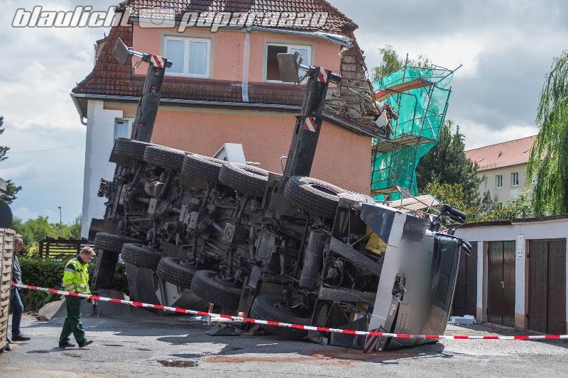 Bautzen: Umgekippter Kran bleibt erstmal liegen