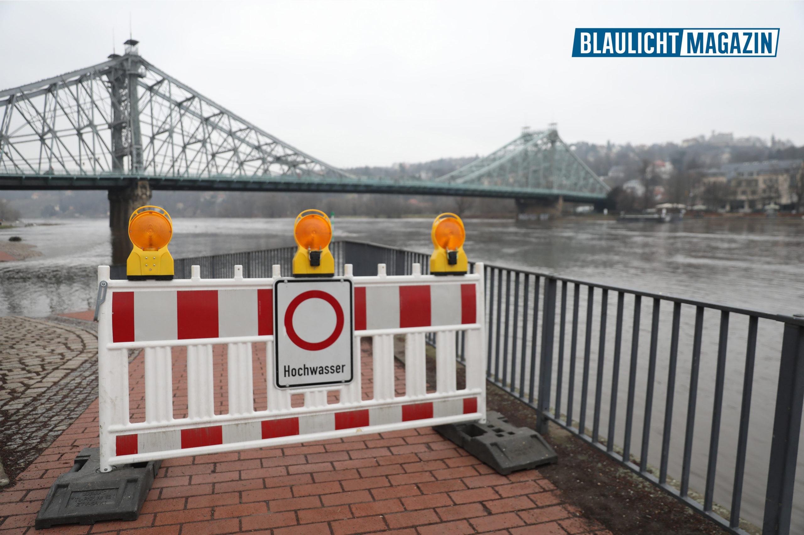 Hochwasser-Alarmstufe-1-f-r-Elbe-in-Dresden