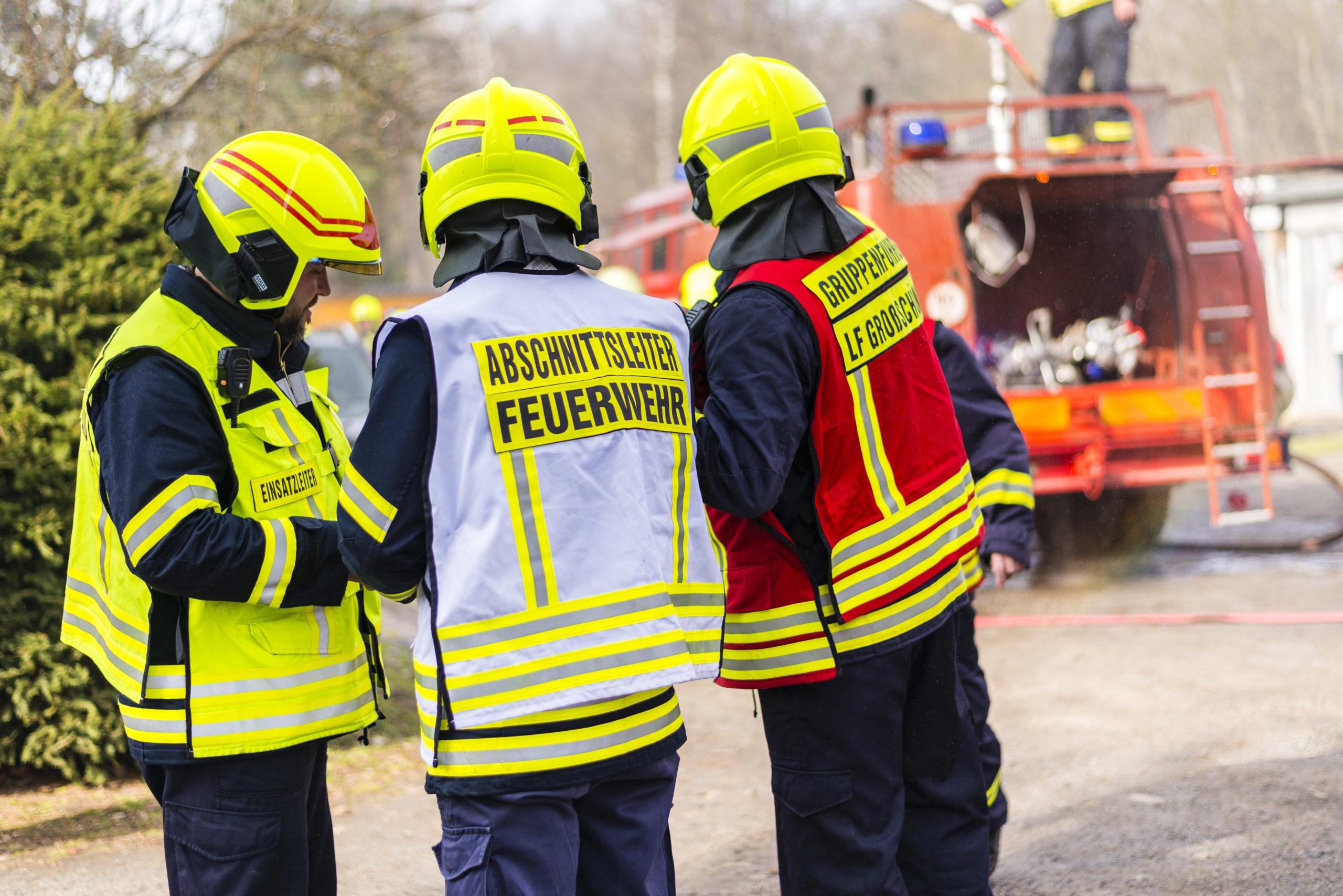 Kennzeichnungswesten-in-der-Feuerwehr-Th-ringen