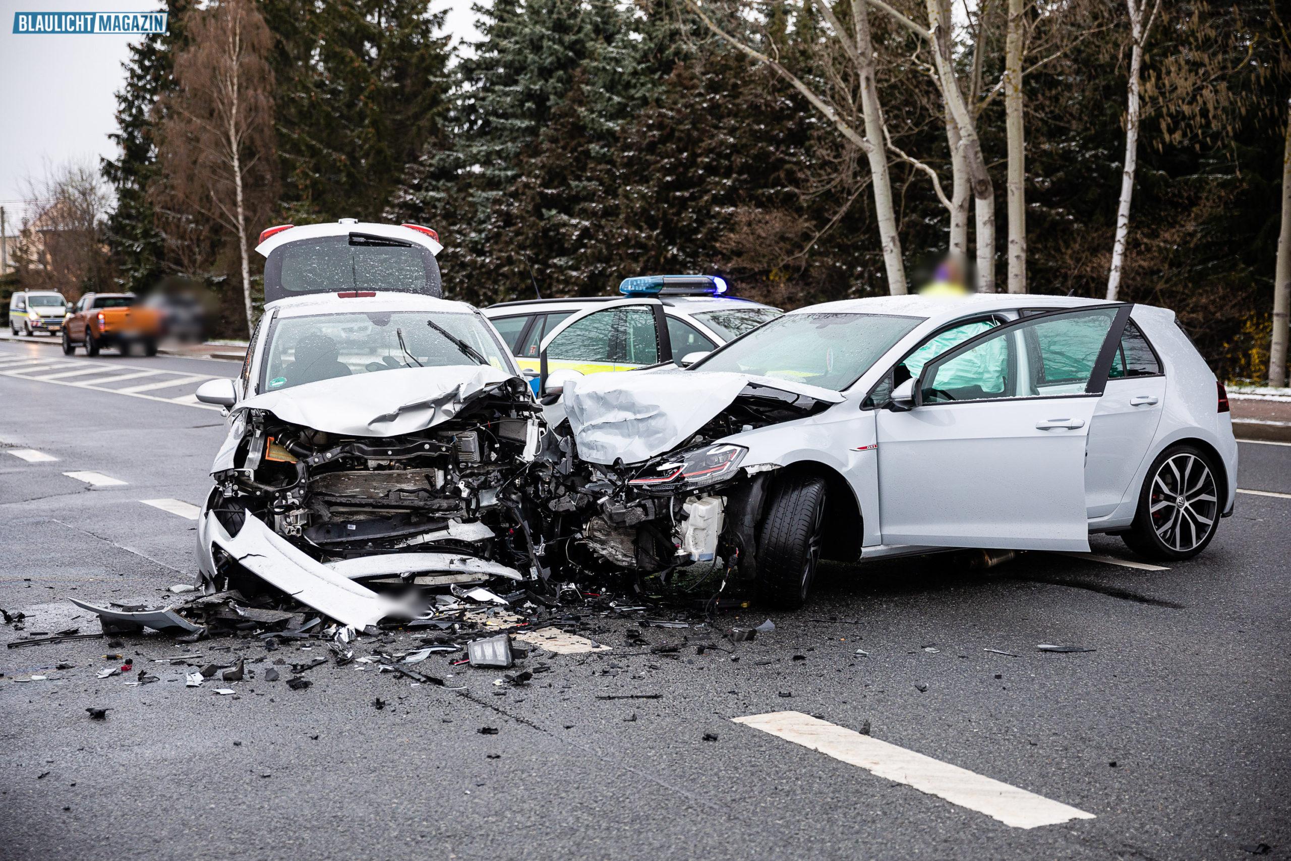 Zwei-Verletzte-nach-Unfall-an-der-Autobahnauffahrt-Ohorn